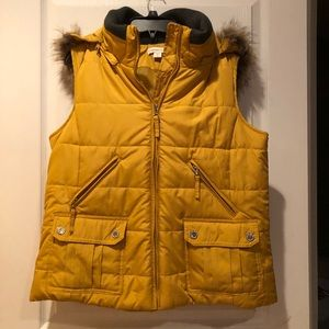 NEW🍷Coldwater Creek Gold Puffer Vest